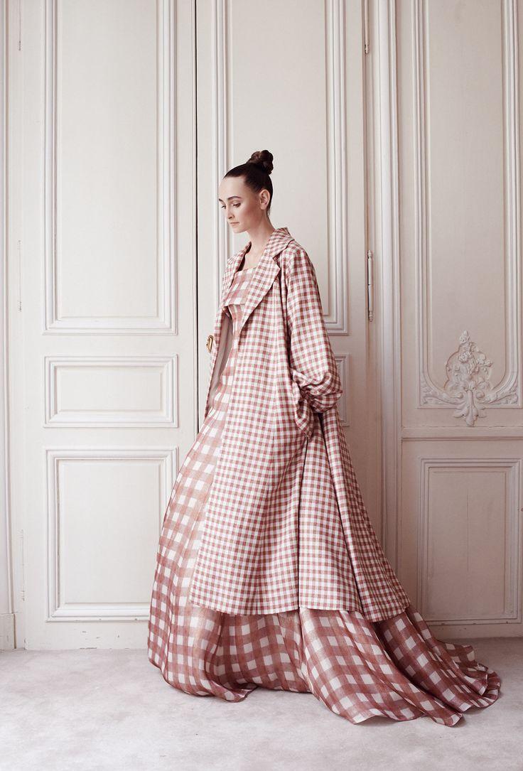 Delphine Manivet - Créatrice de robes de mariée Paris : Robe Brabants Bon Manteau - Collection AH 14/15