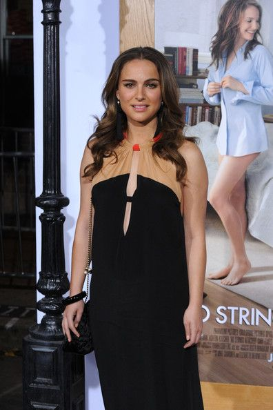 """Natalie Portman Photos - Actress Natalie Portman arrives at Paramount Pictures' 'No Strings Attached' premiere at Regency Village Theater on January 11, 2011 in Westwood, California. - Premiere Of Paramount Pictures' """"No Strings Attached"""" - Arrivals"""
