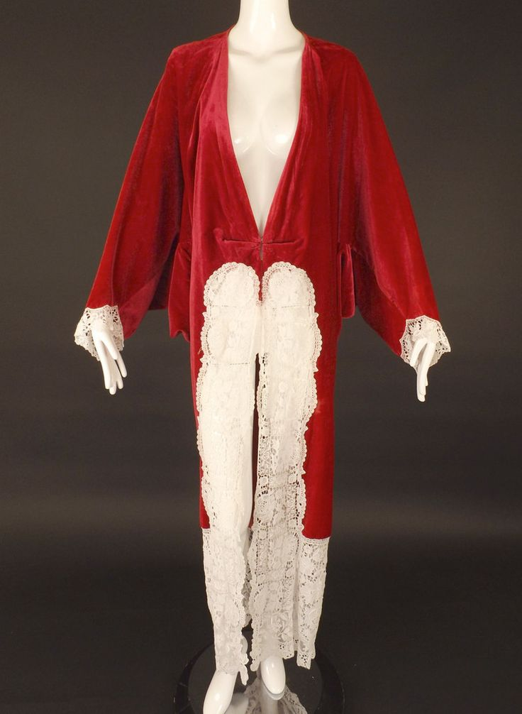1912 Fuchsia Velvet & Lace Coat, Size-Medium