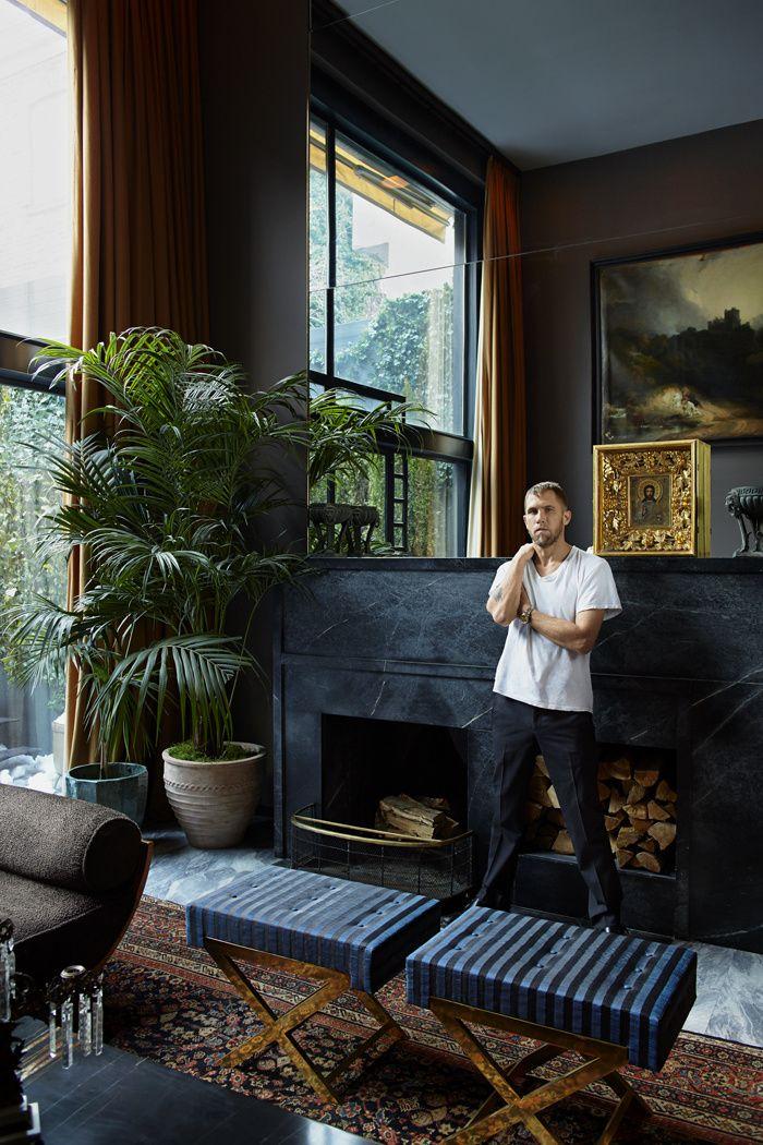 Une maison bohème à New York James Oakley dans le salon de sa maison de West Village, à Manhattan.