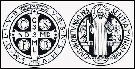 La Medalla de San Benito recuerda a los fieles que la llevan consigo la presencia constante de Dios y su protección.