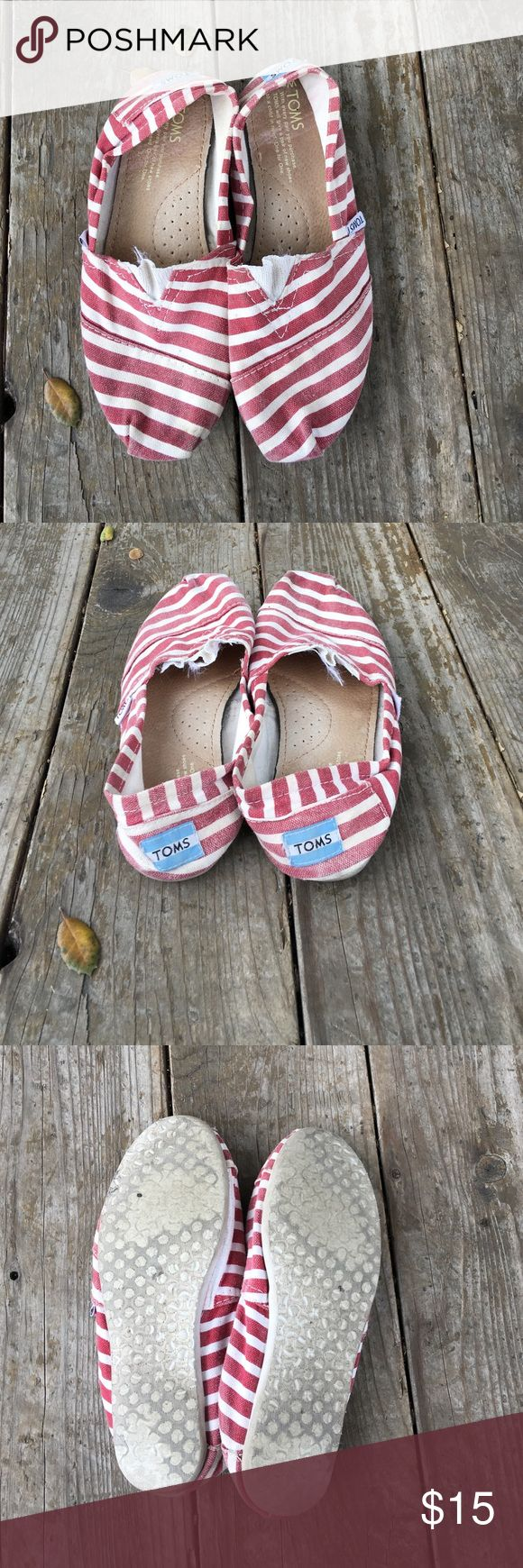 TOMS (287) Signs of wear, scuff marks, discoloration,  stains, no holes or tears TOMS Shoes Flats & Loafers