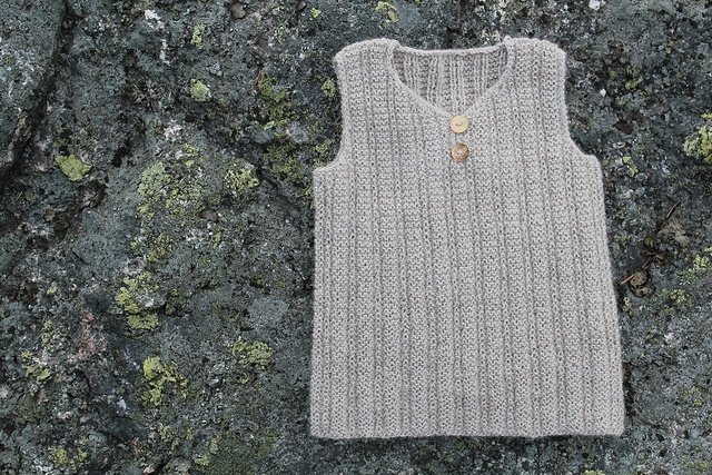 Ravelry: Lille gåsunge :: Little willow pattern by Rare Rusk Designs