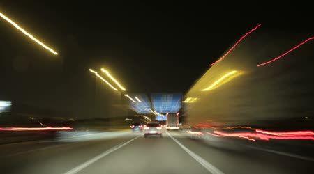 Road rage noite rodovia câmera carro alta velocidade — Vídeo de Stock © creativesight #50342673
