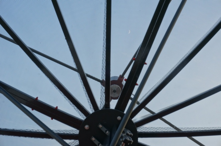 "The #Moon in ""radio window"" is not an easy to record object, a severe test for our #radiotelescope. But we could measure moon temperature at its surface, cool!  La #Luna nella ""finestra radio"" non è un oggetto facile da riprendere, un difficile test per il nostro #radiotelescopio. Ma potremmo misurare la sua temperatura superficiale, bello!"