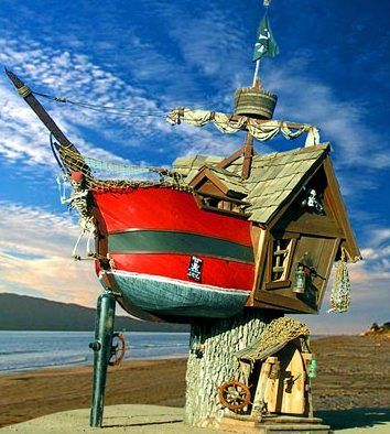 MakeDo: Unusual Houses And you thought the Old Lady that Live in a Shoe was different!'!?