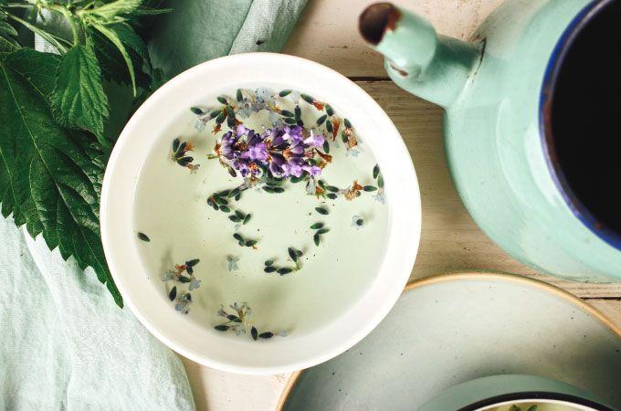 die besten 25 lavendel tee ideen auf pinterest gesundheitliche vorteile von tee kaffee. Black Bedroom Furniture Sets. Home Design Ideas