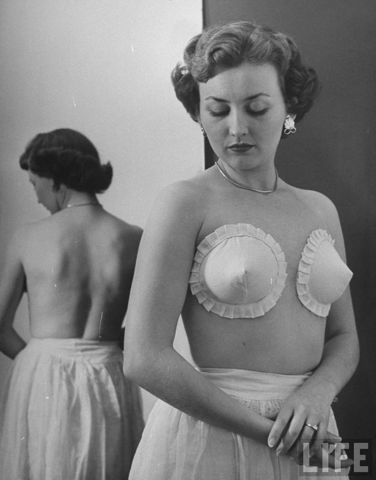 Tanith felt her new pasties were modest and subtly tasteful...