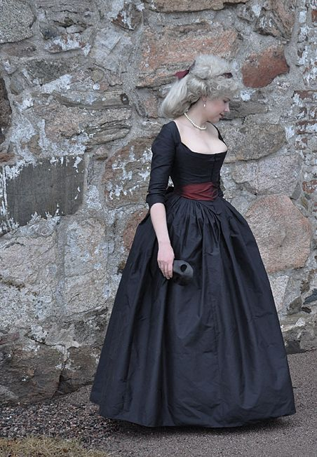 Before the Automobile: 18th century clothing