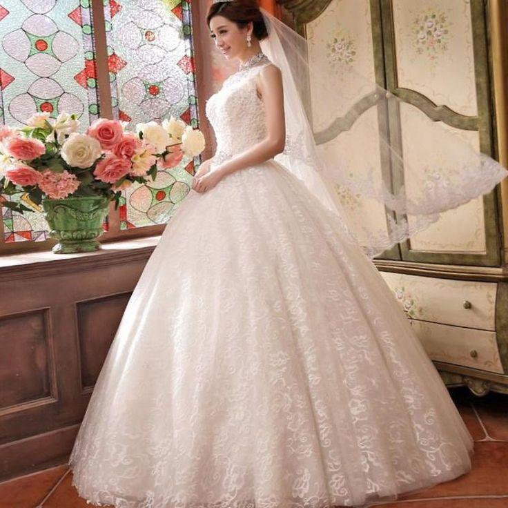 Пушное свадебное платье - http://1svadebnoeplate.ru/pushnoe-svadebnoe-plate-2607/ #свадьба #платье #свадебноеплатье #торжество #невеста
