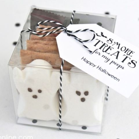 Smore Treats make great Halloween favors Free tags on ourhellip