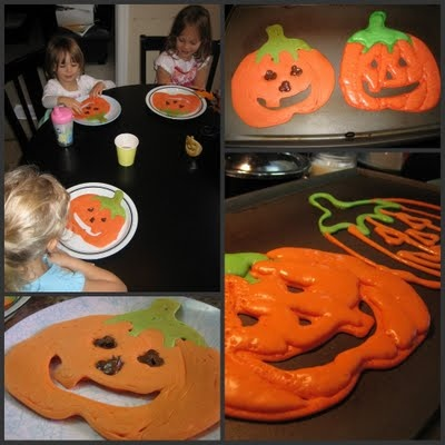 Cute Halloween pancakes for kids