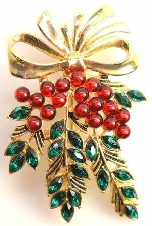 Vintage Monet Christmas brooch