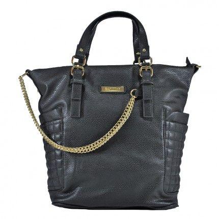 Olha que graça esta bolsa com detalhe em corrente. Inspire-se e crie looks metaleiros cheios de estilo.  Hoje é dia de 'Rock bebê'.   Bolsa rafitthy - 42141 | vivi tonin - Preto