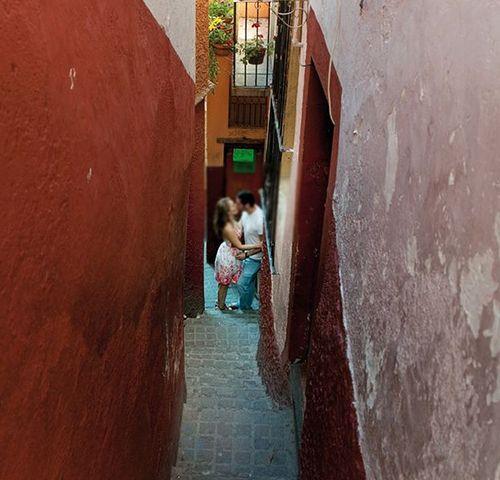 Conheça o Beco do Beijo, um dos lugares mais românticos do México