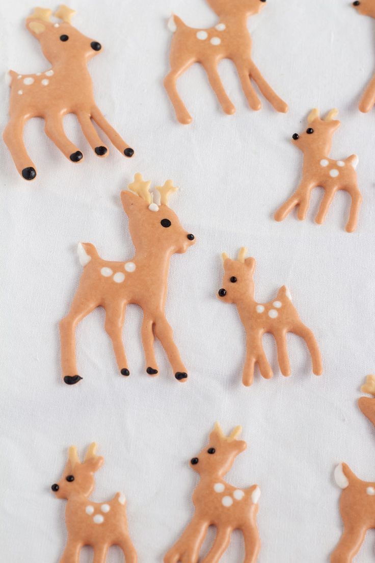 Simple Christmas Royal Icing Transfers by www.thebearfootbaker.com