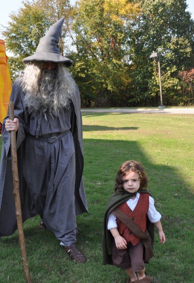 Gandalf and Frodo in the Shire. | Family Cosplay Fun in ...