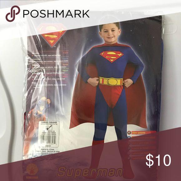 Boys Superman costume, worn once. 8/10 like new Superman costume Costumes Halloween