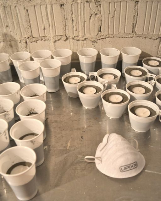 Miris Jahrbuch: DIY: Teelichthalter aus Beton in Massenproduktion für eine größere Feier