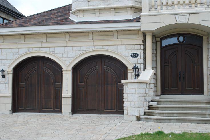 Nos sp cialistes chez portes bourassa fabriquent des for Porte de garage sur mesure en bois