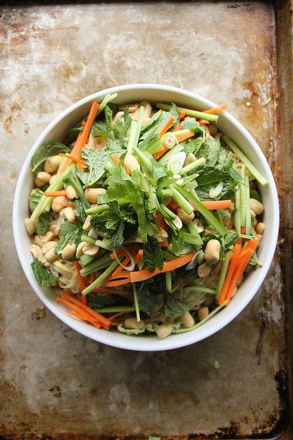 Bo bun Vietnamese Noodle Bowl Salad