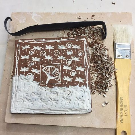 I am loving this slip inlay technique Michael Kline shared with us at his recent workshop. My first practice tile and my mind is already racing with the possibilities in my work. Thanks @klineola #slipinlay #mishima #workshoppractice #claycrits #madeinsandiego #potsinaction #potteryprocess #madebymerle