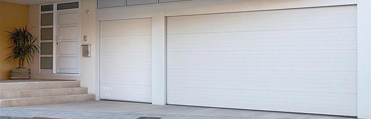 La puerta seccional Eco-Res forma parte de la nueva gama de puertas residenciales económicas de #Angelmir. Construida con materiales europeos de primera calidad, motor de fabricación alemana con dos mandos incluidos y paneles antipinzamiento puede ser suya desde 695 euros.