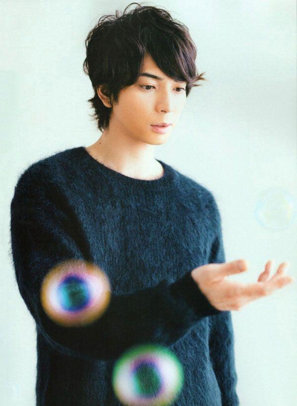 Jun Matsumoto, Arashi, 松本潤, 嵐. Yup he's definitely a boy band idol of sorts XD