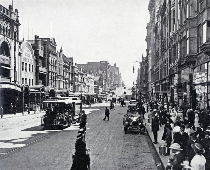 1910's Bourke St looking West