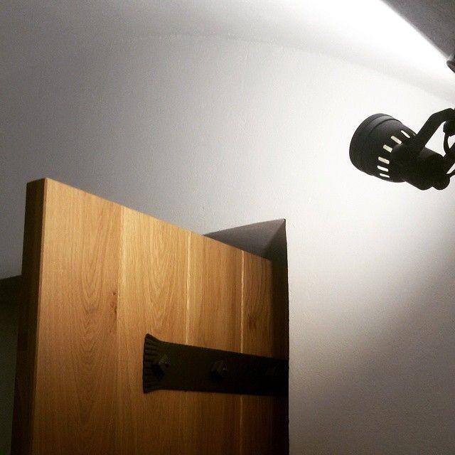 Světla svítí #thirwinebar #interier