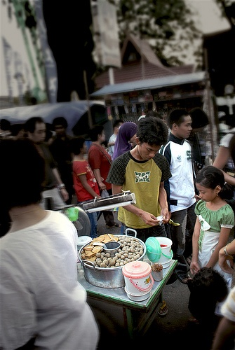 "Beef Bakso on the route.@ Wadai Ramadhan Market, Banjarmasin Indonesia.    Small stall selling beancurd and meat balls or known as ""bakso sapi"" in Indonesia."
