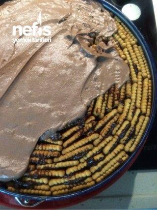 Kek Görünümlü Bisküvili Pasta