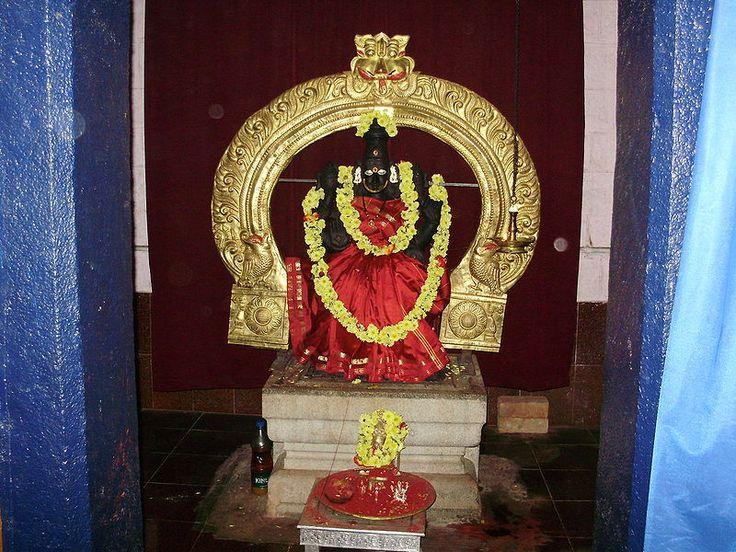 4 : श्री पर्वत शक्तिपीठ : यहां की शक्ति श्री सुन्दरी एवं भैरव सुन्दरानन्द हैं। कुछ विद्वान इसे लद्दाख (कश्मीर) में मानते हैं, तो कुछ असम के सिलहट से 4 कि.मी. दक्षिण-पश्चिम (नैऋत्यकोण) में जौनपुर में मानते हैं। यहाँ सती के 'दक्षिण तल्प' (कनपटी) का निपात हुआ था।