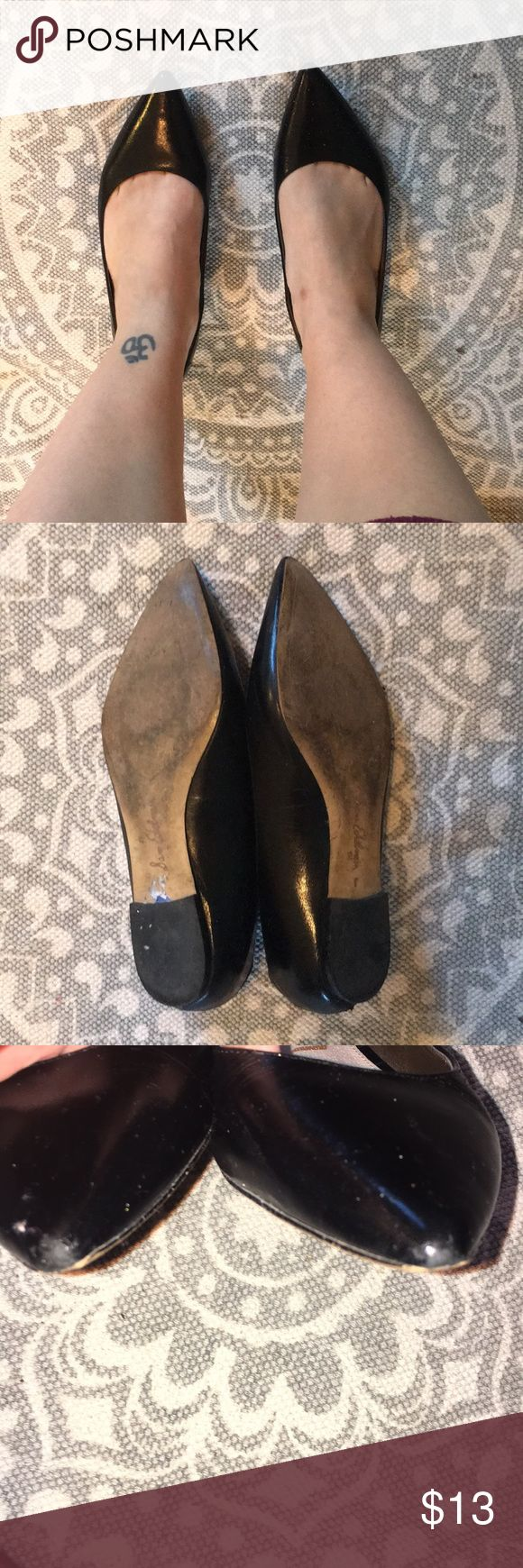 Sam Edelman Black Flats Sam Edelman Black Flats Slight scuff on left toe, points have some barely visible wear Purchase at TJ Maxx Sam Edelman Shoes Flats & Loafers