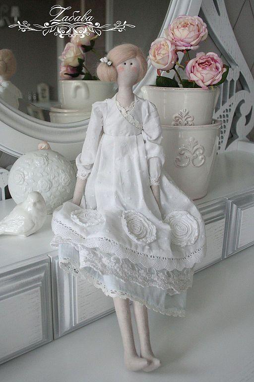 Грейс - нежная и утонченная куколка. Образ навеян красотой Грейс Келли