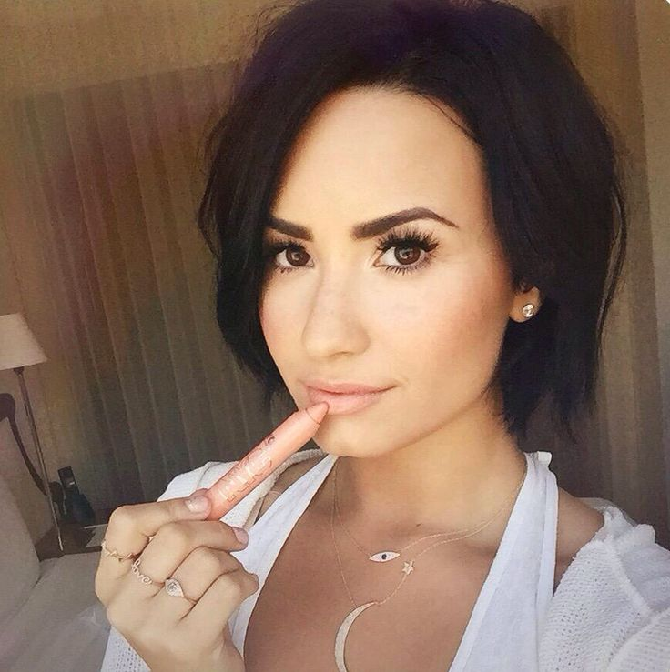 Demi Lovato Cheveux courts 2015, Cheveux et Cheveux courts