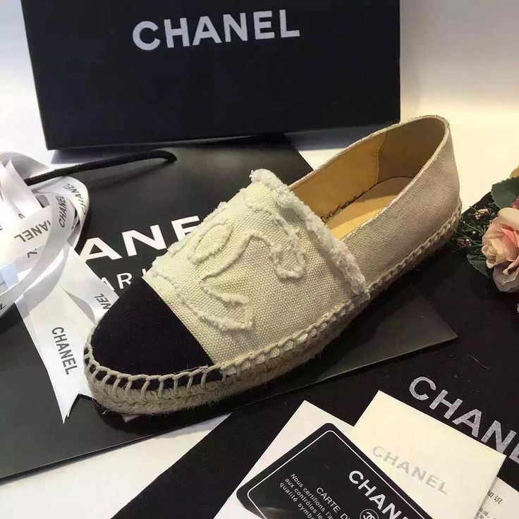 Chanel Espadrilles inside  lambskin. All colors available.Check with me for more detailed pictures.Shopwithava has all designer products come with box certificate dust bag and everything. Follow PM or email me for pricing and all other information. Buy through me saves you#valentino #bvlgari #burberry #chanel #louisvuitton #louboutin #celine #chloé #gucci #dior#givenchy #fendi #shopwithava #salvatoreferragamo #balenciaga #rogervivier #manoloblahnik…