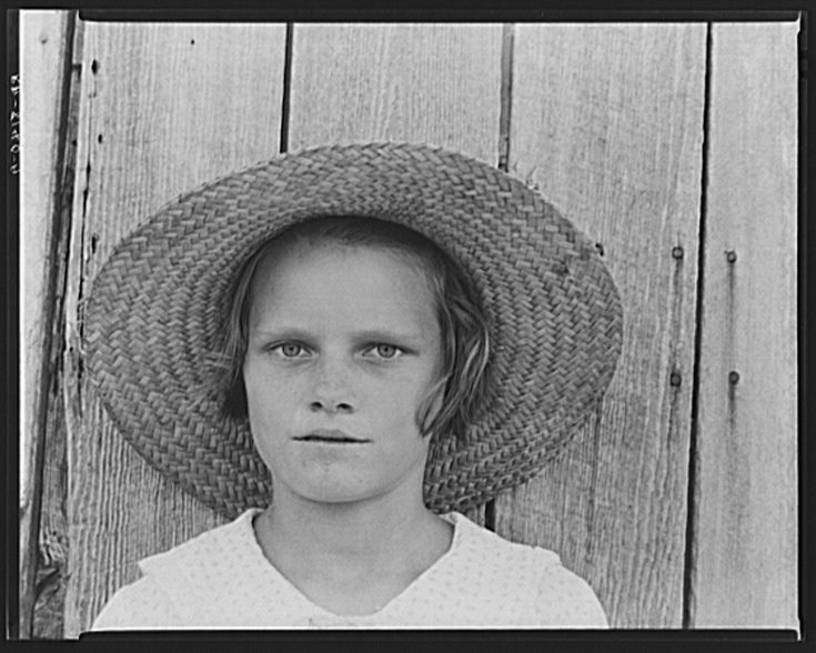 walker evans essay Focusing on photographic images in relation to literature and literary criticism, richon guest edited, wrote the introduction and contributed an essay to a special issue of photographies.