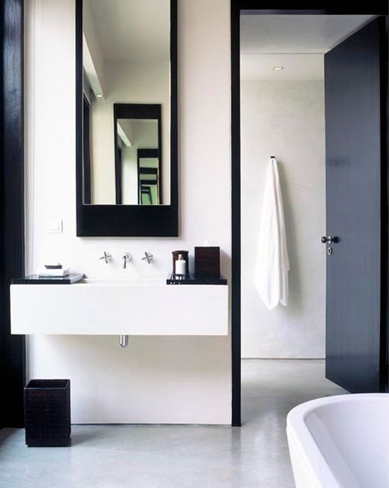 Black and White decor #Bathroom #Interiors