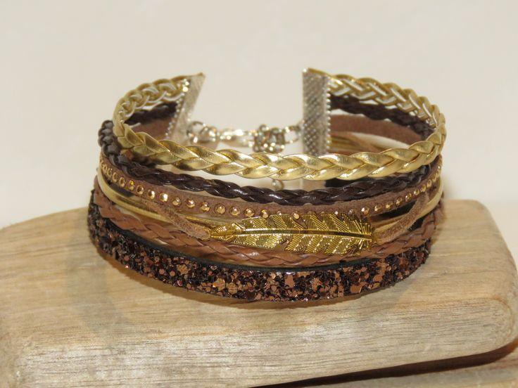 """Bracelet Manchette """"plume dorée"""" cuir, cuir paillette, suédine cloutée, coloris marron, caramel, or - idée cadeau : Bracelet par pimprenelle-coccinelle-creations"""