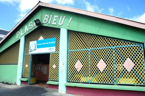 5 What To Do in Curacao: Plasa Bieu | Curacao Travel