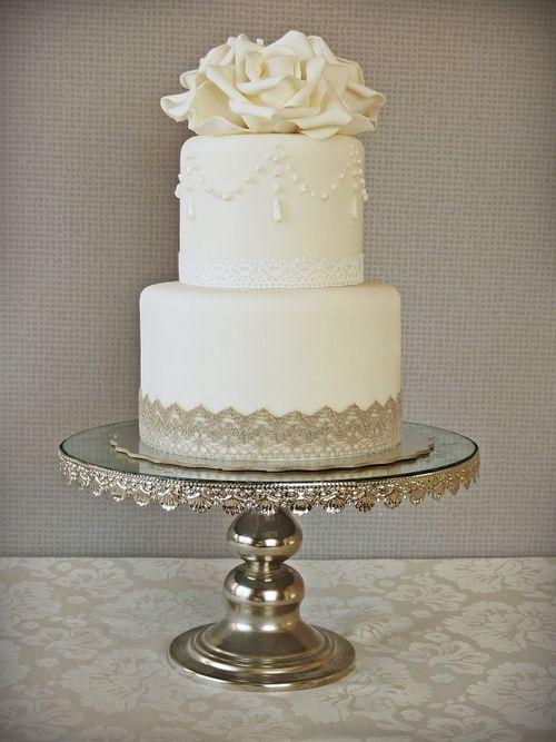 Little Vintage Wedding Cake by Loali on Cake Central - Cute small vintage wedding cake #vintage #vintagewedding #classic #vintageweddingcake