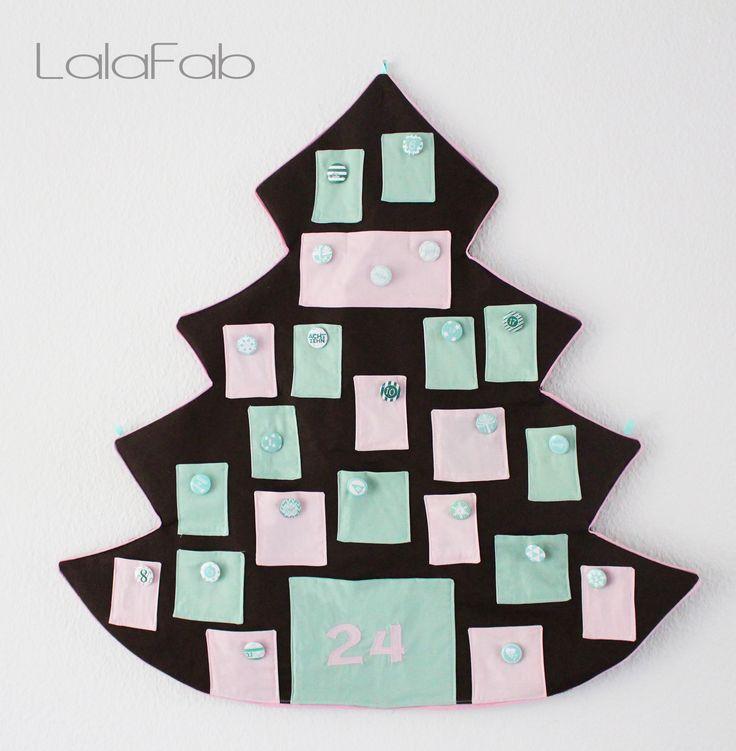 Freebook Adventskalender - 80 x 90 cm (B x H). Anleitung für Zahlenapplikation und verschiedene Größen der Beutel.