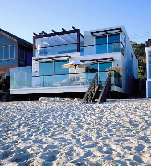 Waterfront Beach House Designs with Three Levels : Stunning Beach House Designs Rectangular Modern Style Glass Fence