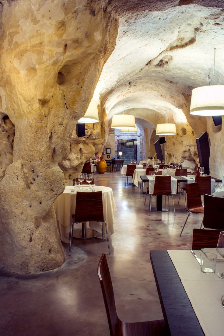 Such a cool restaurant! I want to go here Baccanti Ristorante | Matera, Sassi 2013