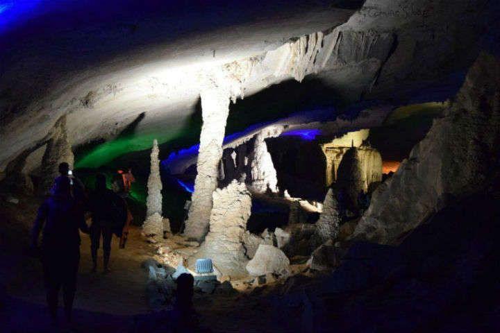 Thakhek y el recorrido por las cuevas (Laos)