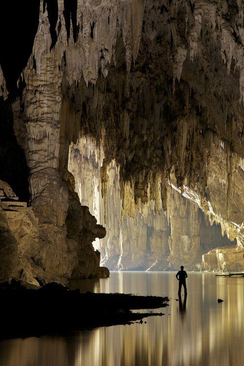 Exploring Lod Cave, Mae Hong Son Province - Thailand