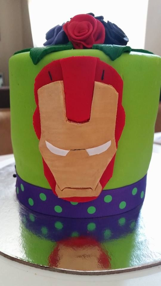 Marvel. Iron Man fondant mudcake https://www.facebook.com/SweetToppers?ref=bookmarks