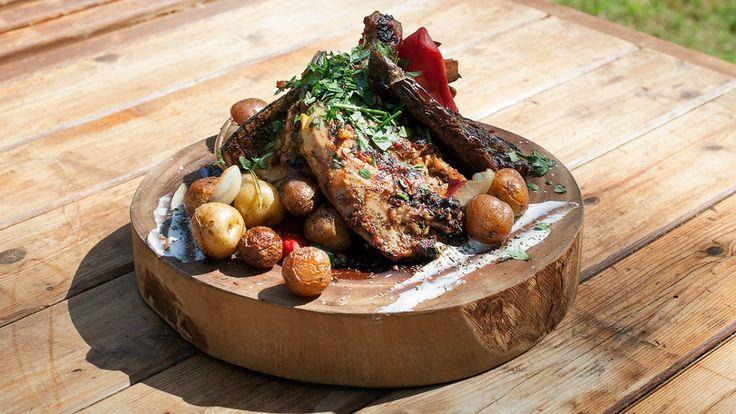 Une recette de poulet en crapaudine à la portugaise , présentée sur Zeste et recettes.zeste.tv