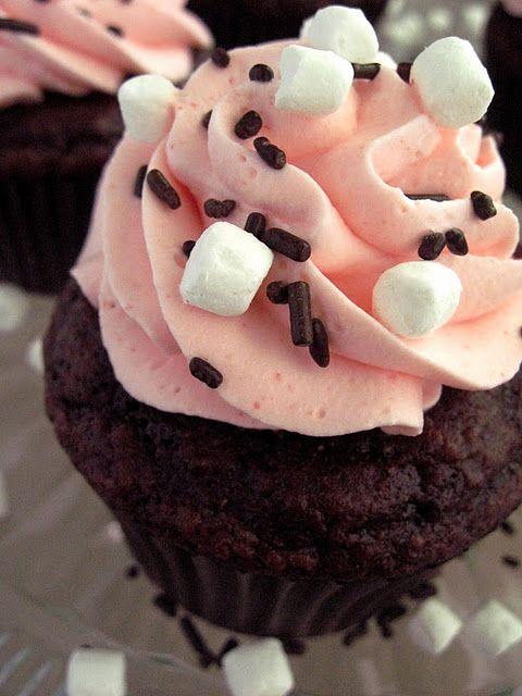 raspberry hot chocolate cupcakes!Desserts, Hot Chocolates Cupcakes, Recipe, Chocolate Cupcakes, Sweets, Food, Hotchocolate, Raspberries Hot, Cupcakes Rosa-Choqu
